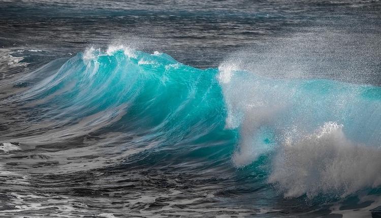wave-3361029_1280